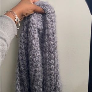Accessories - Fuzzy warm winter scarf 🧣